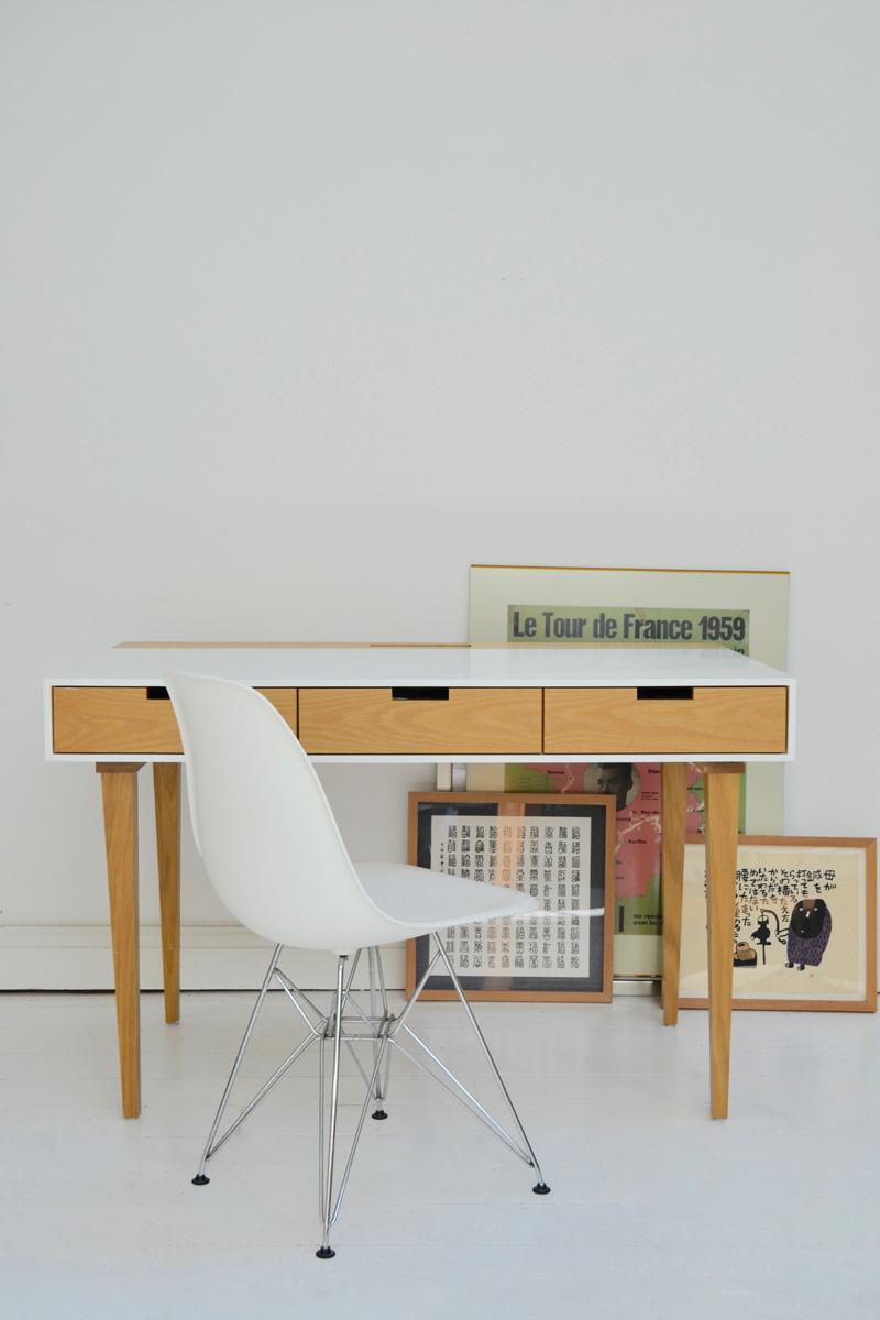 desk_white-insitu02